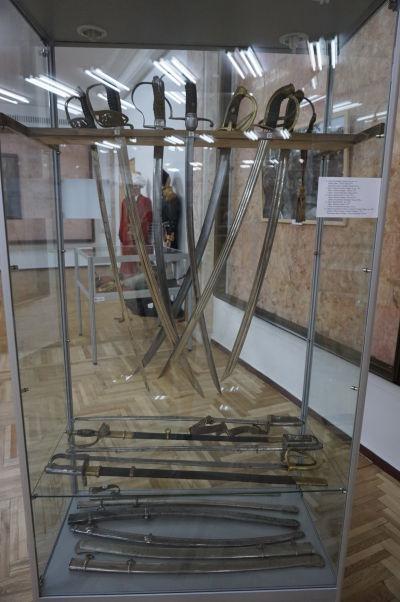 Národné múzeum histórie Moldavska - expozícia s historickými zbraňami