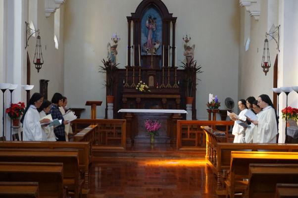 Kaplnka Matky Božej na hore Penha (Capela de Nossa Senhora da Penha) v Macau a sestry rádu augustínok