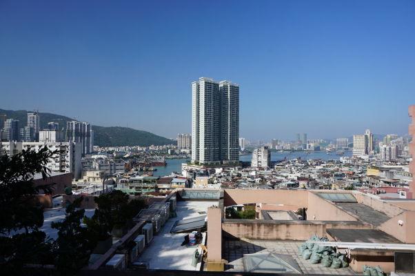 Pohľad z hory Penha na prístav v Macau