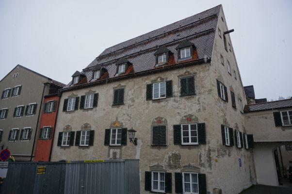 Bavorské mestečko Füssen je plné zaujímavo dekorovaných domov