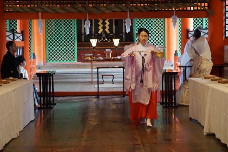 Japonská svadba vo svätyni Icukušima