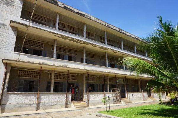 Budova bývalej strednej školy v Phnom Penhu, pretvorenej na väzenie Tuol Sleng