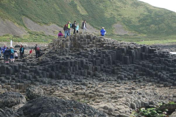Bazaltové stĺpy na Obrovom chodníku (Giant's Causeway) v Severnom Írsku