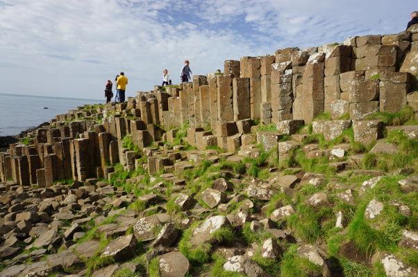 Bazaltové stĺpy na Obrovom chodníku (Giant\'s Causeway) v Severnom Írsku