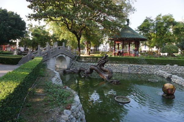 Park pred Koxingovou svätyňou v Tchaj-nane