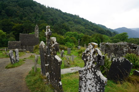 Cintorín v kláštore v Glendalough a Kostol sv. Kevina
