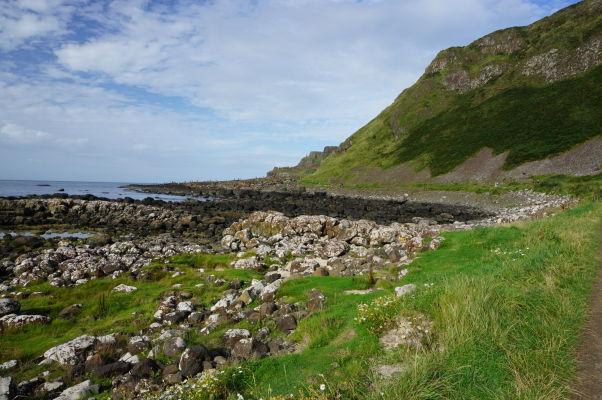 Pobrežie v okolí Obrovho chodníka v Severnom Írska