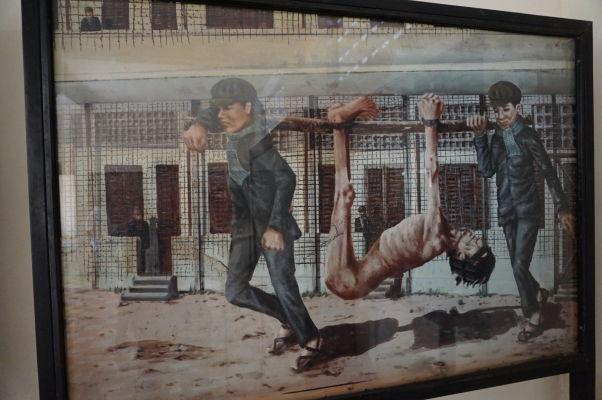 Preprava väzňov - Obraz vo väzení Tuol Sleng (S-21) v Phnom Penhu