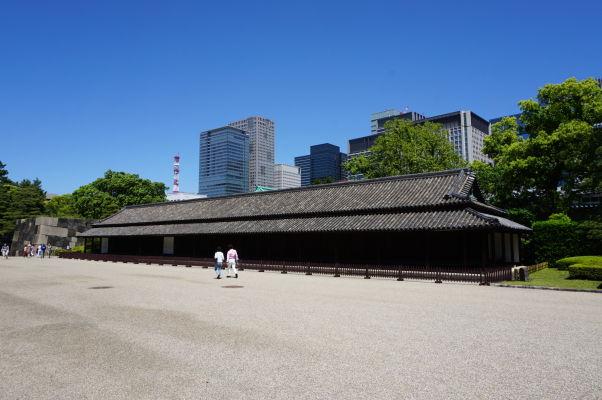 Cisársky palác v Tokiu - Hyakunin-banšó (strážnica) - v tejto strážnici v časoch vlády šóguna pobývalo až sto samurajov