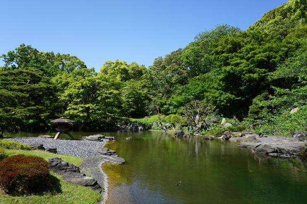 Cisársky palác v Tokiu - väčšinu plochy tvorí krásny park