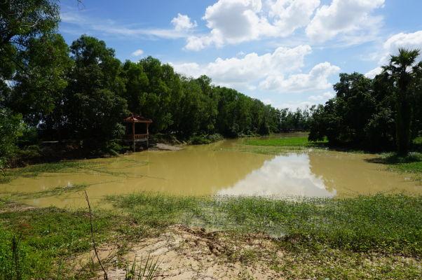 Vražedné polia Cheoung Ek - ležia v oblasti, ktorá občas skončí pod vodou