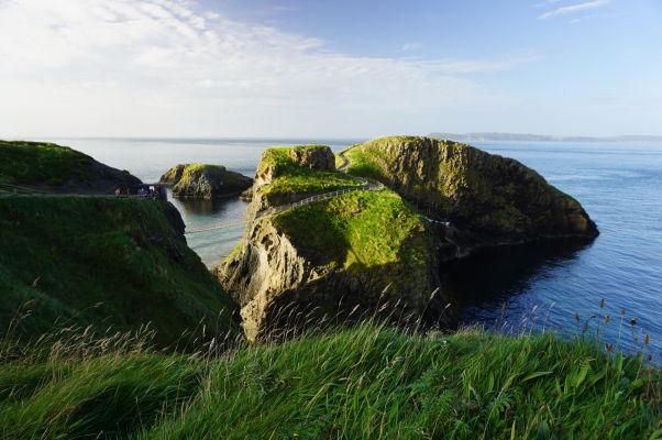 Ostrov Carrick-a-Rede a lanový most