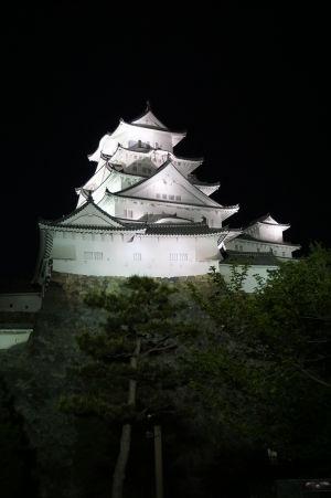 Hrad Himedži v noci