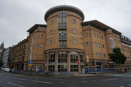 Jedna z bánk v Belfaste