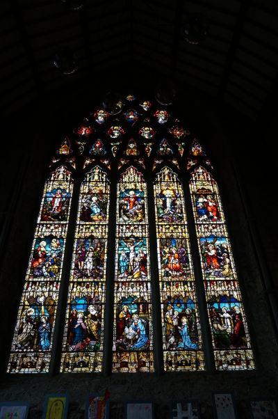 Čierne opátstvo (Black Abbey) v Kilkenny - rozetové vitrážové okno (najväčšie v Írsku)