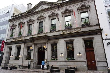Café Vaudeville - luxusná (francúzska) reštaurácia v centre Belfastu