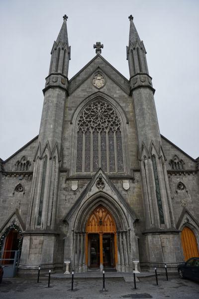 Katolícka Katedrála sv. Márie v Kilkenny - hlavný vchod