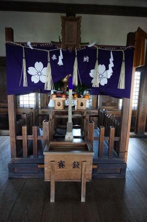 Hlavný oltár na vrchole hlavnej veže