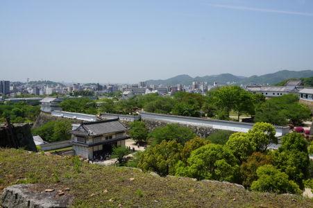 Výhľad na hradby a mesto