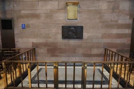 Hrob Edwarda Carsona - jediného človeka pochovaného v belfastskej katedrála, lídra unionistov snažiacich sa o zotrvanie Írska v Spojenom kráľovstve