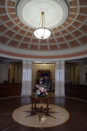 Spojovacia chodba medzi severoírskym parlamentom a senátom