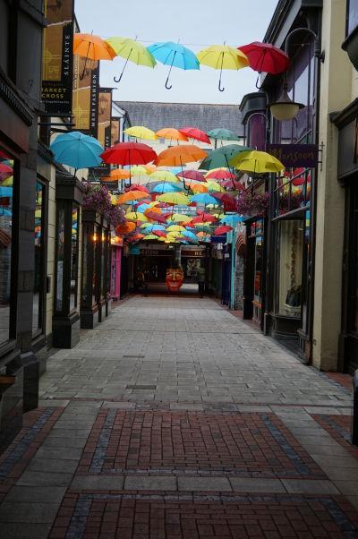 Centrum Kilkenny je plné malých uličiek, zákutí a skrytých pasáží