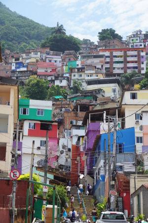 Favela Santa Marta v Riu
