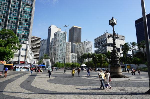 Námestie Largo da Carioca v centre Ria de Janeiro