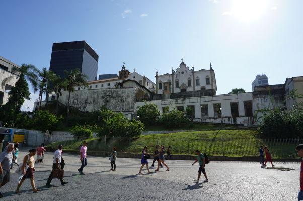 Kláštor sv. Antona v Riu de Janeiro pri pohľade z námestia Largo da Carioca