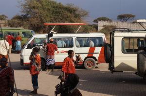 Vstup do parku Amboseli - V obliehaní Masajov