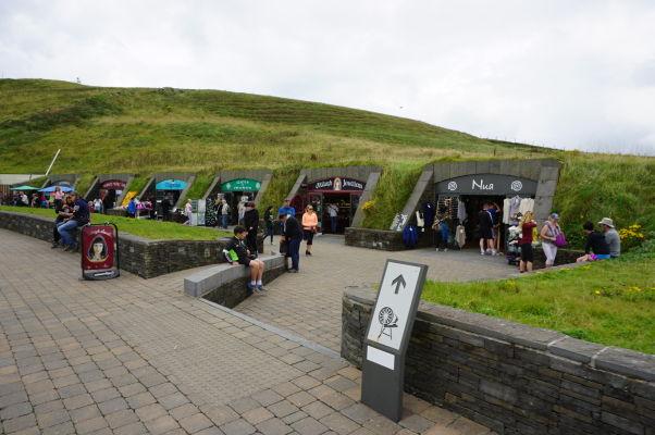 Obchodíky pri Moherských útesoch v Írsku