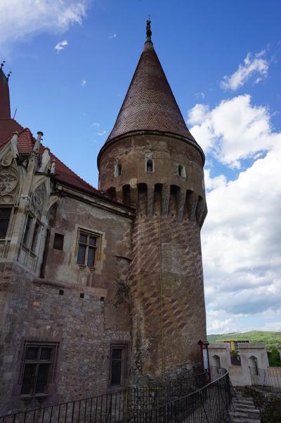 Osamelá veža na Korvínovom hrade v Hunedoare