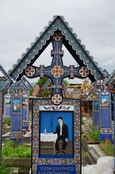Veselý cintorín v Săpânțe - Tento pán zrejme holdoval alkoholu