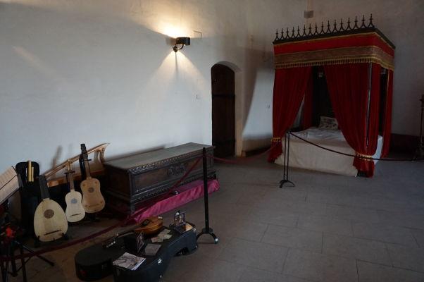 Jedna z obytných miestností na Korvínovom hrade v Hunedoare