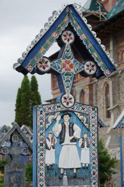 Veselý cintorín v Săpânțe - Tento pán si za života asi rád zatrsal