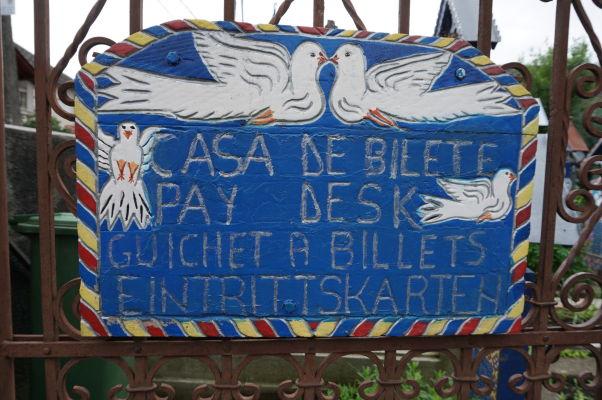 Veselý cintorín v Săpânțe - hlavne, aby ste nezabudli zaplatiť