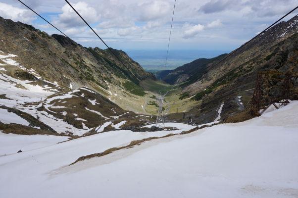 Pohľad z lanovky na údolie v okolí Transfagarašanu