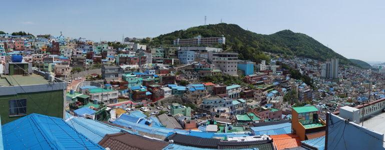 Panoramatický pohľad na druhú stranu Gamcheonu