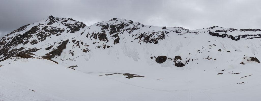 Najvyšší bod Transfagarašanu a okolie jazera Balea býva pod snehom i na začiatku leta