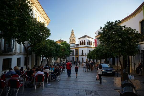 Malebné uličky Córdoby (Calle Blanco Belmonte)