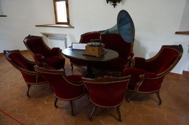 Rekonštrukcia spoločenskej miestnosti v múzeu v pevnosti vo Fagaraši
