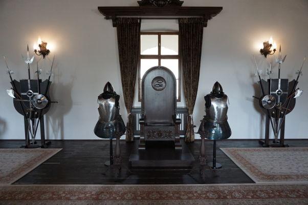 Rekonštrukcia trónnej miestnosti v múzeu v pevnosti vo Fagaraši