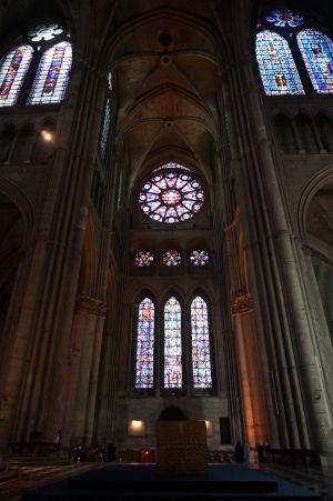 Krížna loď katedrály Notre-Dame v Reims
