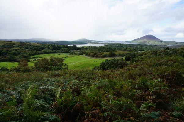 Pohľad z Diamantovej hory (Diamond Hill) na západné pobrežie Írska a Atlantik v národnom parku Connemara National Park
