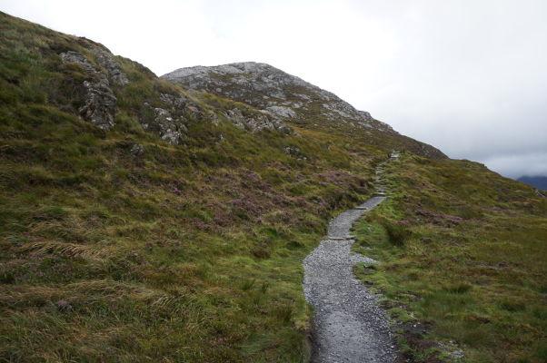 Tesne pod vrcholom Diamantovej hory (Diamond Hill) v Connemare v Írsku