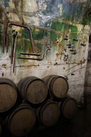 Podzemné chodby v Reims pre skladovanie šampanského - je možné si prezrieť historické nástroje, ktoré kedysi slúžili pri produkcii šampanského