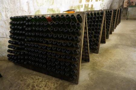 Vínna pivnica so šampanským v Reims