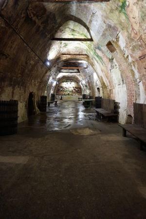 Stredoveké podzemné chodby slúžiace ako vínne pivnice v Reims
