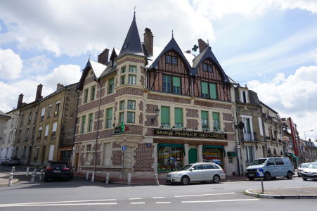 Niektoré stavby v Reims sú veľmi malebné