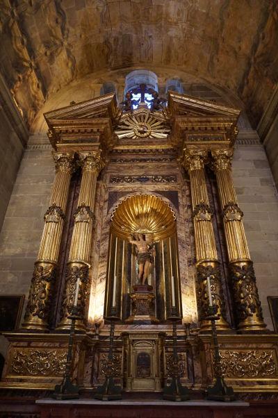 Katedrála v Málage - Kaplnka sv. Sebastiána s oltárom z Granady z 20. storočia a drevenou sochou sv. Sebastiána zo 17. storočia